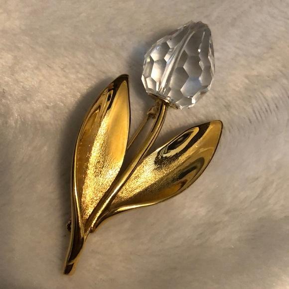 Beautiful Gold Tulip Crystal Brooch
